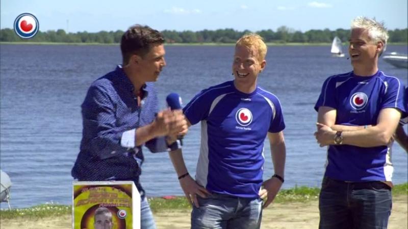 Achter de schermen: Lachen met Wietse Dijkstra en Arjen de Boer bij Omrop Fryslân quiz Bynt Sport