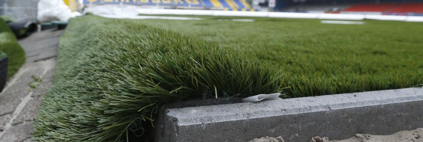 LEEUWARDEN , 05-07-2013, voetbal,  start aanbrengen kunstgras in het Cambuur Stadion , eredivisie, seizoen 2013-2014,